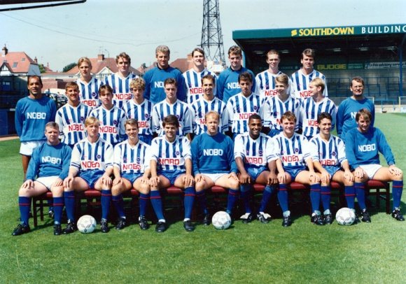 Front row: David Coldwell, Paul McCarthy, Perry Digweed, Nicky Bissett, Brian McKenna, Wayne Stemp, Steve Gatting. Middle row: Larry May, John Robinson, Derek McGrath, Chris Lyons, John Crumplin, Adrian Owers, Gary Chivers, Stuart Munay, Lee Cormack, Ted Streeter. Front row: Malcolm Stuart (physio), Garry Nelson, Mark Barham, Dean Wilkins, Barry Lloyd (manager), Robert Codner, Ian Chapman, Steve Penney, Martin Hinshelwood (coach)