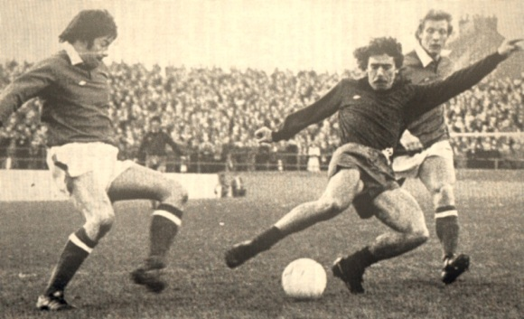 Peter O'Sullivan in action against Gillingham but it is Gerry Fell that gets the only goal.